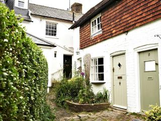 Romantic 1 bedroom Steyning Cottage with Internet Access - Steyning vacation rentals
