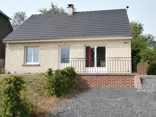 2 bedroom Gite with Satellite Or Cable TV in Aisne - Aisne vacation rentals