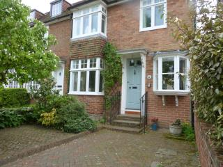 Lovely 3 bedroom House in Tenterden with Satellite Or Cable TV - Tenterden vacation rentals