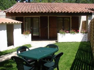 Nice Gite with Internet Access and A/C - Aubagne vacation rentals