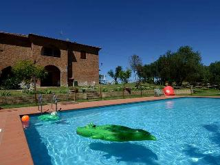 Secluded villa with private pool Trasimeno lake - Pozzuolo vacation rentals