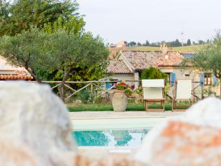 Borgo La Rovere: app. I GIRASOLI - Mondavio vacation rentals