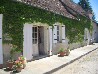 3 bedroom Farmhouse Barn with Internet Access in Excideuil - Excideuil vacation rentals