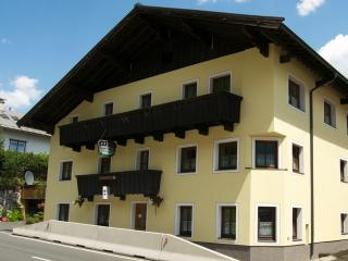 The Farberhaus B&B & Apartment House - Sankt Martin bei Lofer vacation rentals