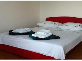 APARTMENT GLAVINA - Zaostrog vacation rentals