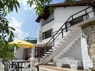 3 bedroom Villa with Internet Access in Kranevo - Kranevo vacation rentals