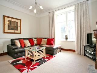 Comfortable Apartment with Television and Microwave in Aberdeen - Aberdeen vacation rentals