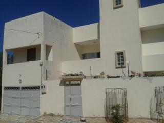 Bright 5 bedroom Mbour Villa with Internet Access - Mbour vacation rentals