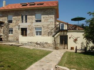 8 bedroom Finca with Internet Access in O Freixo - O Freixo vacation rentals