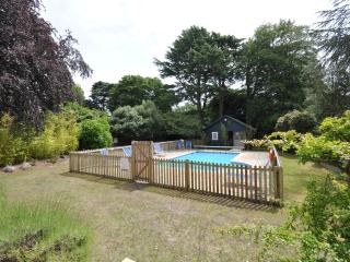 4 Boltons - Modern 1 Bedroom  Apartment with Pool - Bournemouth vacation rentals