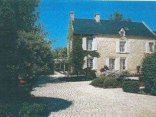 Cozy 2 bedroom Bed and Breakfast in Bayeux - Bayeux vacation rentals
