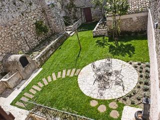 Casa con 2 giardini vicino il Parco d'Abruzzo - Arpino vacation rentals