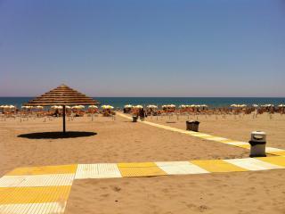Puglia - New large apartments near the beach i - Marina di Ginosa vacation rentals