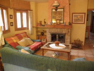 Nice Chalet with Internet Access and Fireplace - Monachil vacation rentals