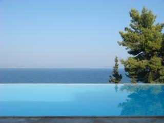 VILLA (2) AVEC VUE MAGNIFIQUES ET PISCINE - Xiropigado vacation rentals