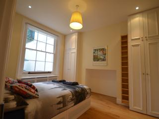Lovely 1 Bedroom flat in Hamersmith, Overstone - London vacation rentals