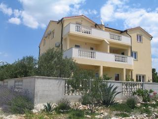 Villa Mile - Red Apartment - Pakostane vacation rentals