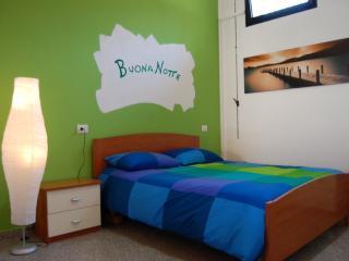 Romantic 1 bedroom Vacation Rental in Milan - Milan vacation rentals