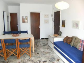 2 bedroom Condo with Washing Machine in L'Escala - L'Escala vacation rentals