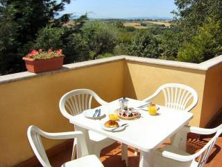 Lovely 2 bedroom Condo in Castiglione Del Lago - Castiglione Del Lago vacation rentals