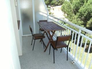 Romantic 1 bedroom Apartment in L'Escala with Television - L'Escala vacation rentals