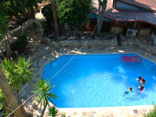 Cozy 2 bedroom Limassol Guest house with Internet Access - Limassol vacation rentals