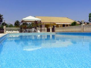 Comfortable 7 bedroom Punta Secca Villa with Internet Access - Punta Secca vacation rentals
