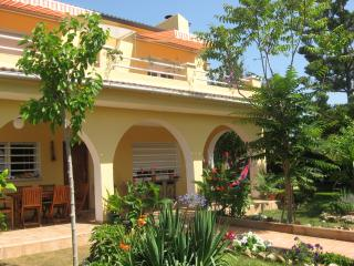 Self-catering Villa near Barcelona - El Vendrell vacation rentals