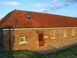 Nice Barn with Internet Access and Tennis Court - Ivinghoe vacation rentals