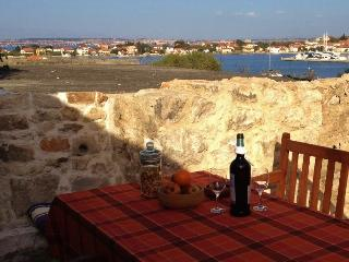 2 bedroom House with Internet Access in Sutomiscica - Sutomiscica vacation rentals