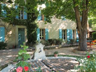 4 bedroom Bed and Breakfast with Internet Access in Saint-Marc-Jaumegarde - Saint-Marc-Jaumegarde vacation rentals