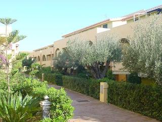 1 bedroom Resort with A/C in Le Castella - Le Castella vacation rentals