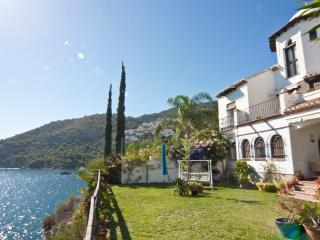 HOUSE ON A CLIFF OVER THE SEA - La Herradura vacation rentals