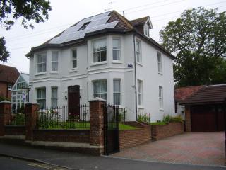 3 bedroom Bed and Breakfast with Internet Access in Robertsbridge - Robertsbridge vacation rentals