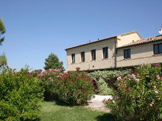 Le Settefinestre Accattoli Claudio / Margi - Montefano vacation rentals