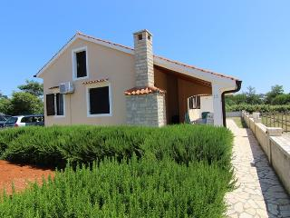 Holiday house for 5 person, close to the beach - Privlaka vacation rentals
