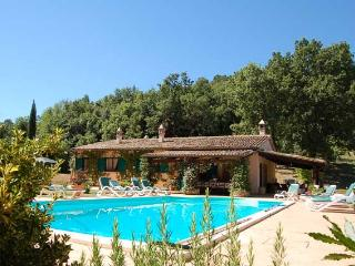 Detached villa with private pool 2 km from village - Amelia vacation rentals