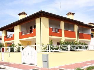 Appartamento con giardino al mare-Lido di Pomposa - Comacchio vacation rentals