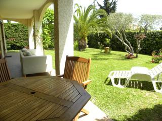 Beau 4P 100m2 avec jardin VILLENEUVE, près de NICE - Aiglun vacation rentals
