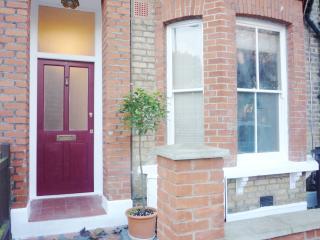 Victorian Garden Apartment - London vacation rentals