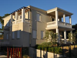 Apartments Karmen-Island Pag-100m from the beach - Pag vacation rentals