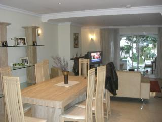 Beautiful Condo with Internet Access and Dishwasher - Marbella vacation rentals