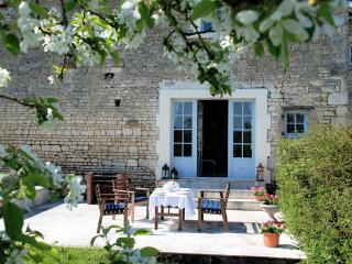 Gorgeous Gite with Internet Access and Central Heating - Bresdon vacation rentals