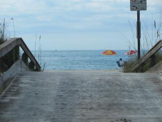 22-2 BeachHouse Sleeps6 Beauty&Redone w/WiFI&Bikes - Saint Pete Beach vacation rentals