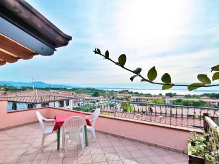 A/5 One-Bedroom Apart. Lake View Terrace 2nd Floor - Manerba del Garda vacation rentals