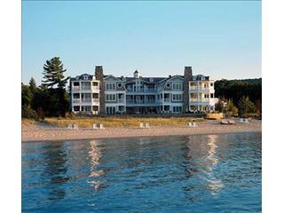 Amazing Condo in Glen Arbor (LeBear Resort & Spa 102202) - Glen Arbor vacation rentals