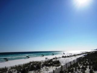 Caribbean Dunes 121, just across the street from the Beach! - Destin vacation rentals