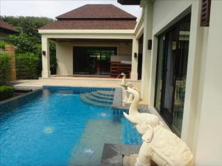 Luxuous Villa for rent, in Nai Harn, 2 BR, Private Pool, Sala - World vacation rentals