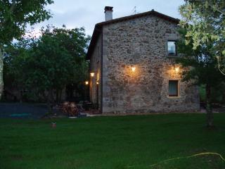 Cozy 2 bedroom Farmhouse Barn in Roccatederighi - Roccatederighi vacation rentals