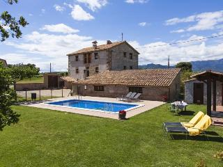 Lovely 7BR  ensuite & paddel tennis & great garden - Berga vacation rentals